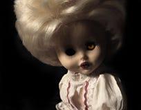 Dunkle Serie - gespenstische Puppe der Weinlese Stockbild