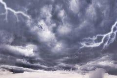 Dunkle Sturmwolken Stockfoto