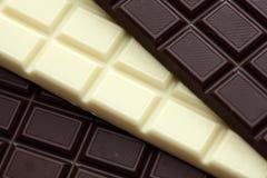 Dunkle und weiße Schokolade Stockfotografie