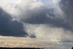Dunkle Wolken Lizenzfreies Stockbild