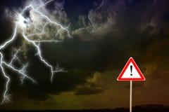 Dunkle Wolken Blitz Lizenzfreie Stockbilder
