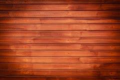 Dunkler Brown-hölzerner Hintergrund, horizontales Muster Stockfoto