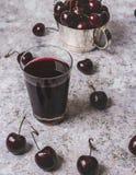 Dunkler Cherry Drink lizenzfreie stockfotografie