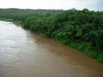 Dunkler Fluss szenisch Lizenzfreies Stockbild