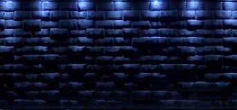 Dunkler leerer Raum mit den Blaulichtern, die in den alten Felsen-Ziegelstein glühen, rösten vektor abbildung