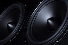Dunkler Sprecher, Lautsprecher, Teil der Musikspalte Stockfotos