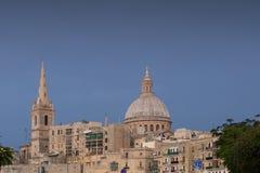 Dunkler stürmischer Himmel über Valletta Lizenzfreie Stockfotografie