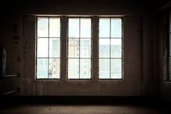 Dunkler und verlassener Platz Stockfotos