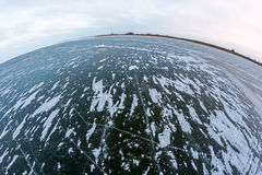 Dunkles gefrorenes Wasser des Golfs in fisheye Vision Lizenzfreie Stockfotos
