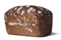 Dunkles gesundes Brot auf Weiß Stockbilder