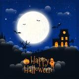 Dunkles Haus auf blauem Vollmond Glückliches Halloween Stockfotos