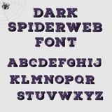 Dunkles spiderweb Alphabet Ein grimmiger Minireaper, der eine Sense anhält, steht auf einem Kalendertag, der glückliches Hallowee Stockbilder