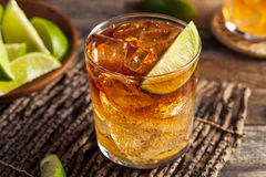 Dunkles und stürmisches Rum-Cocktail Stockfoto