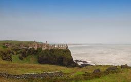 Dunluce城堡废墟  图库摄影