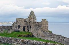 Dunluce Schloss, Nordirland Stockbilder