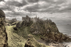 Dunluce slott, Bushmills som är nordlig - Irland Arkivbilder