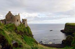 Dunluce slott, Nordirland Fotografering för Bildbyråer