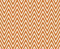 Dunne Heldere Oranje en Witte Horizontale Chevron Gestreepte Geweven Stock Afbeeldingen
