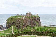 Dunnottar城堡在Stonehaven,阿伯丁,苏格兰,英国 图库摄影