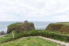 Dunnottar城堡在Stonehaven,阿伯丁,苏格兰,英国 库存图片