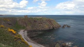 Dunnottar Roszuje czasu upływ Stonehaven, Szkocja - zbiory