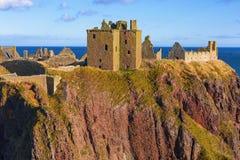 Dunnottar-Schlossruinen nahe Stonehaven in Aberdeenshire, Scotlan Lizenzfreie Stockfotos