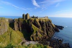 Dunnottar slott i Aberdeen, Skottland. Fotografering för Bildbyråer