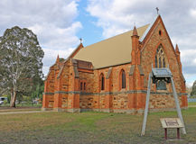 DUNOLLY, VICTORIA, AUSTRALIA 15 de septiembre de 2015: La Iglesia Anglicana de St John de Dunolly (1869) sirvió como escuela comú Foto de archivo libre de regalías