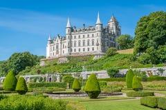 Dunrobinkasteel in een zonnige dag, Sutherland-provincie, Schotland royalty-vrije stock foto