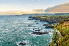Dunseverick di trascuratezza sulla costa Irlanda del Nord di Antrim Fotografie Stock