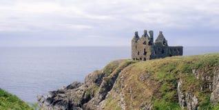 Dunskey城堡, Portpatrick,苏格兰 免版税库存图片