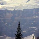 Dunst des verheerenden Feuers, der Victoria Glacier, Nationalpark Banffs, Alberta undeutlich macht lizenzfreies stockfoto