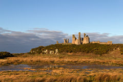 Dunstanburgh城堡, Northumberland 库存照片