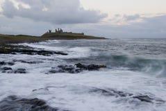 dunstanburgh замока Стоковая Фотография
