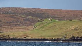 Duntulm fjärd och slott på ön av Skye - Skottland stock video