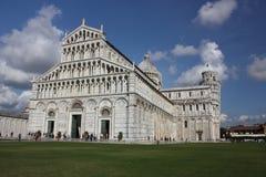 duomo Ιταλία έλξης που κλίνει τον πύργο τουριστών της Πίζας Στοκ φωτογραφίες με δικαίωμα ελεύθερης χρήσης