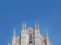 Duomo του μπλε ουρανού του Μιλάνου Στοκ Εικόνα