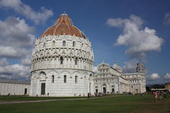 duomo Италия привлекательности полагаясь башня туриста pisa Стоковое фото RF