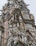 Duomo av Siena, marmorstatyer Royaltyfri Bild