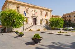 Duomo carré dans la ville des terminus Imerese avec le h municipal Photo stock