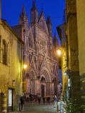 Duomo de la bóveda de Orvieto por noche Imágenes de archivo libres de regalías
