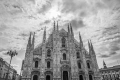 Duomo en Milán B&W Fotos de archivo libres de regalías