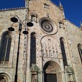 Duomo (Kathedrale), errichtend, Himmel, Fassade, Geschichte des klassischen Altertums Lizenzfreie Stockfotos