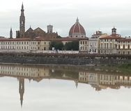 Duomo och Santa Croce Church i Florence, Italien Royaltyfri Fotografi