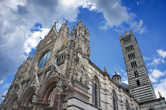 Duomo Siena, Tuscany, Włochy. Siena katedra przeciw jaskrawemu Zdjęcie Royalty Free