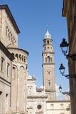 Duomo und San Giovanni Evangelista in Parma Stockbilder