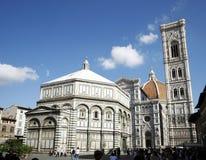Duomo y baptisterio de Florencia Imágenes de archivo libres de regalías