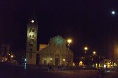 Duomodi Messina in de nacht royalty-vrije stock foto's