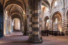 Duomoen av den Sovana domkyrkan av helgon Peter och Paul är en Royaltyfri Foto