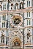 Duomofassade in Florenz Stockfotos
